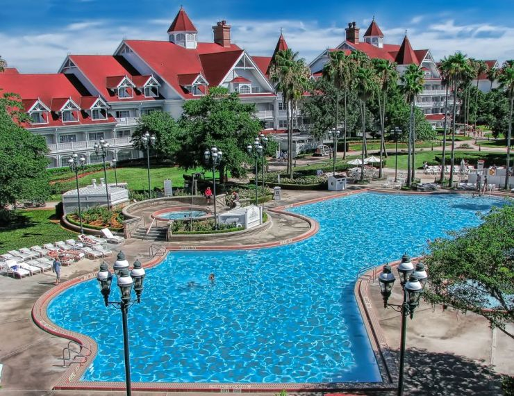 Best pool disneyland - the Grand Floridian pool